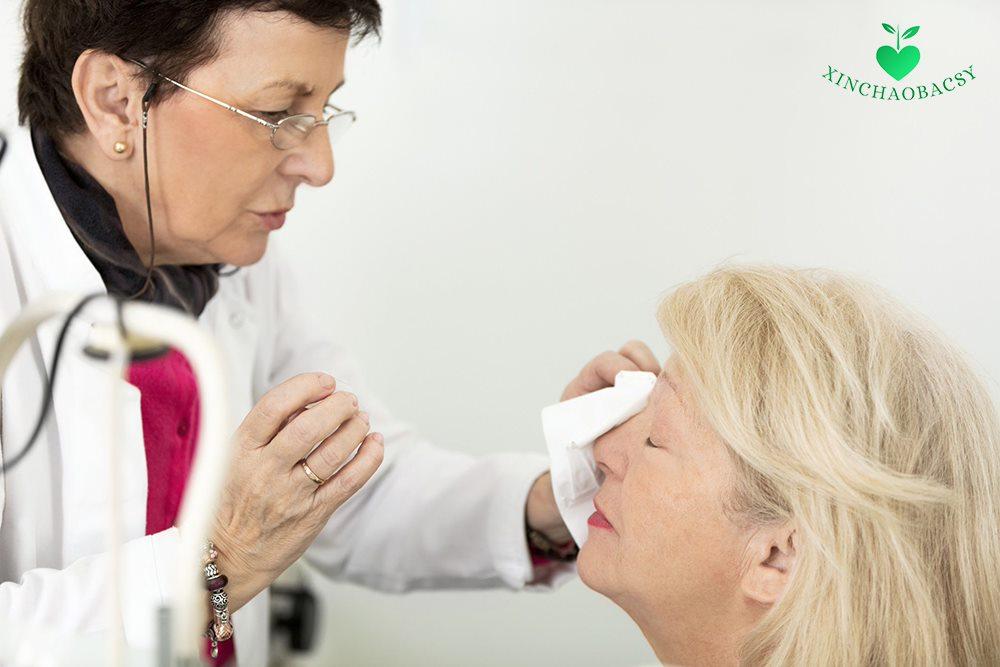 Mổ cườm mắt có nguy hiểm không? Giải pháp ngăn chặn biến chứng